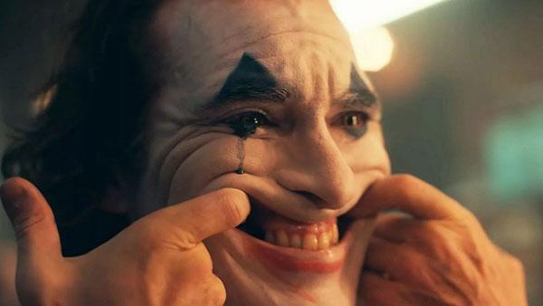 В кинотеатры США не пускают зрителей в костюме и гриме Джокера