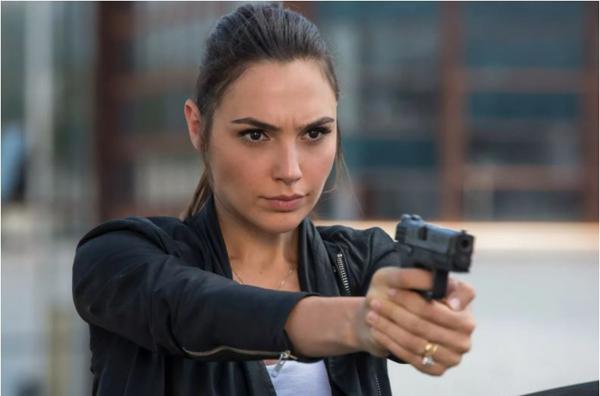 Стрим-сервис Netflix приобрел права на шпионский боевик с Галь Гадот
