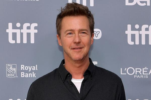 Эдвард Нортон присоединился к актерскому составу сиквела «Достать ножи»
