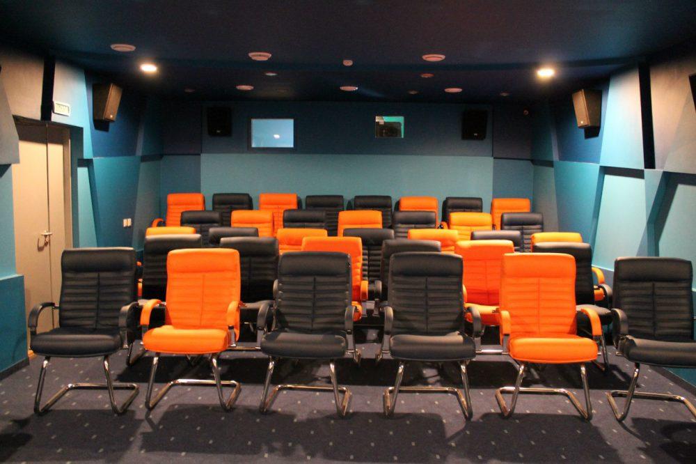 Лайка: прокопьевск трц чайка кинотеатр