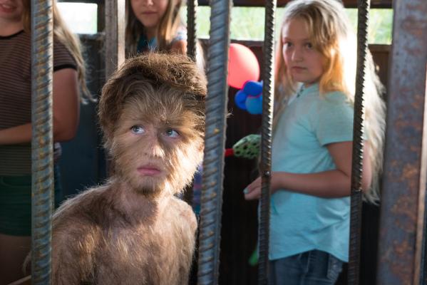 Кадр фильма Реальная история мальчика-волчонка