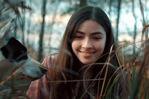Кадр фильма Лена и львенок