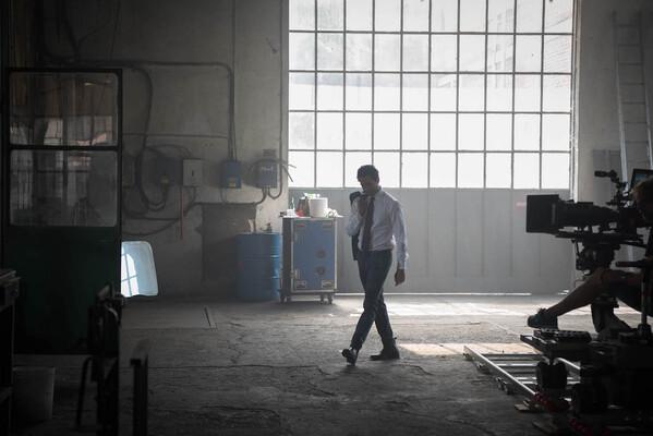 Кадр фильма Девятый калибр