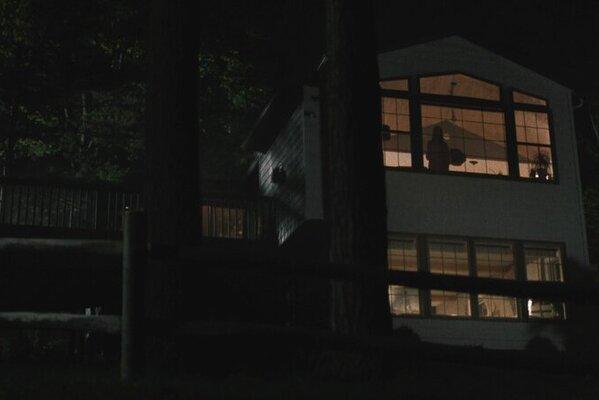 Кадр фильма Дом на другой стороне